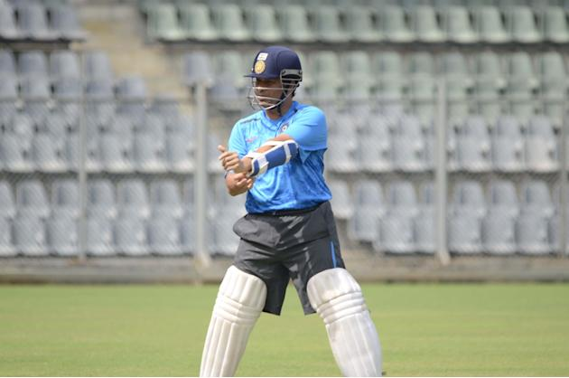 Sachin Tendulkar practice with Mumbai team at Wankhede stadium ahead of his last Ranji Trophy match for Mumbai against Haryana in Lahli, Rohtak, in Mumbai on Oct.24, 2013. (Photo: Sandeep Mahankaal/IA