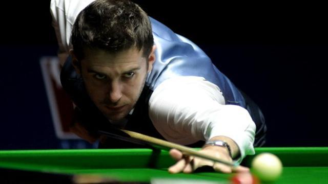 Snooker - Selby and Murphy safely through in Beijing