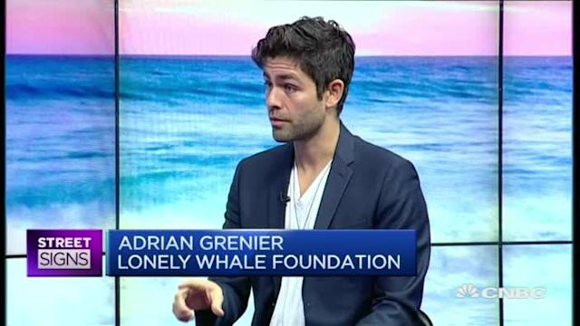 Adrian Grenier wants to save the whales