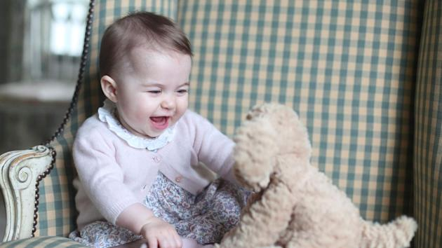 Kate's New Pictures Of Princess Charlotte