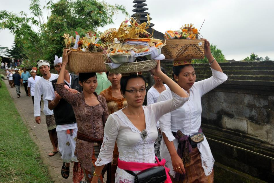 Balinese Hindus at the Mother Besakih Temple