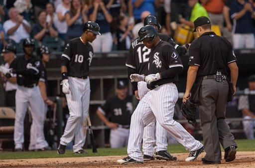 Viciedo drives in 4 as White Sox top Brewers 8-6