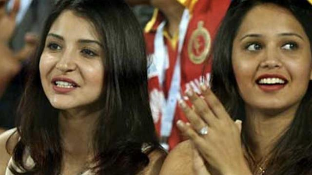Anushka Sharma s Excitement At Virat Kohli's IPL Match!