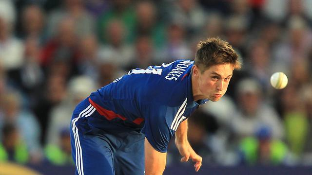 Cricket - Woakes out to prove Giles right