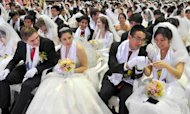 Moonies Marry In South Korean Mass Wedding