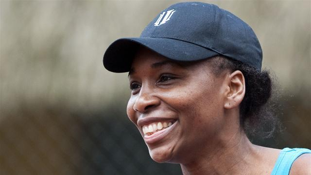 Tennis - Williams sisters to meet in Charleston semis