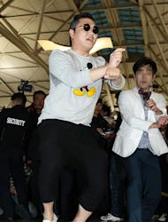 "PSY says to Obama ""I'll teach you the horse dance'"