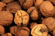 A handful of walnuts a day may help lower cholesterol