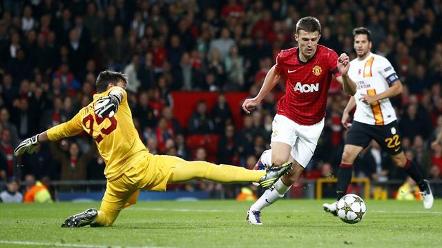 Carrick gets United off to winning start