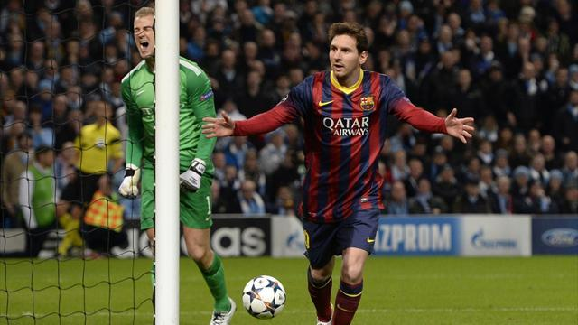 Champions League - Messi and Alves net in Barcelona win at 10-man City
