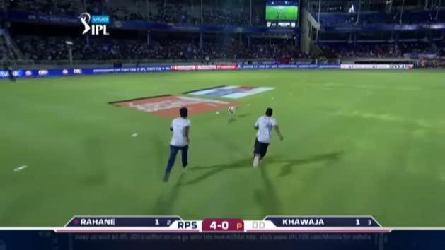 Dog invades the pitch during IPL game