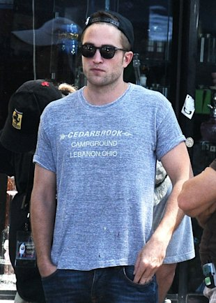 Where's Kristen Stewart? Robert Pattinson Looks Happy And Relaxed On London Dinner Date With Mystery Girl