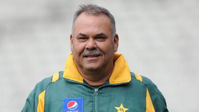 Cricket - Whatmore hoping for continued Pakistan success