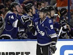 Purcell's goal in 3rd lifts Lightning over Flyers