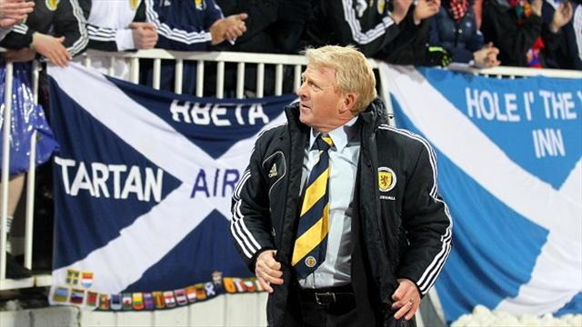 Football - Strachan excited by Wembley trip