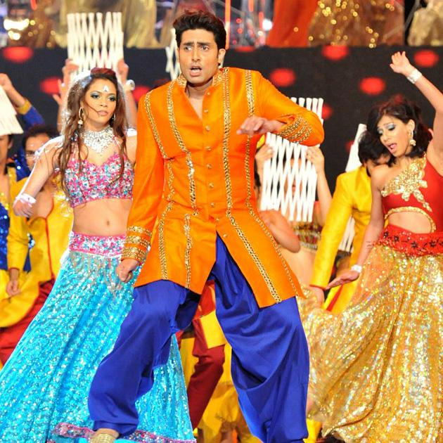 Bollywood stars dazzle at TOIFA