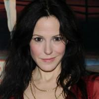 Mary-Louise Parker To Make Broadway Return In 'The Snow Geese'