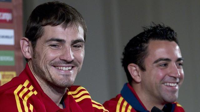 Liga - Casillas, Xavi celebrate milestones in Finland