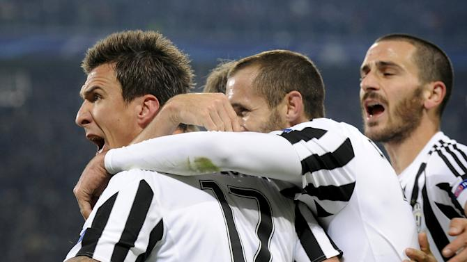 Football Soccer- Juventus v Manchester City - UEFA Champions League Group Stage - Group D - Juventus stadium, Turin, Italy - 25/11/15 Juventus' Mandzukic celebrates after scoring the first goal for Juventus.