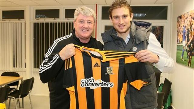 Premier League - Jelavic completes move to Hull