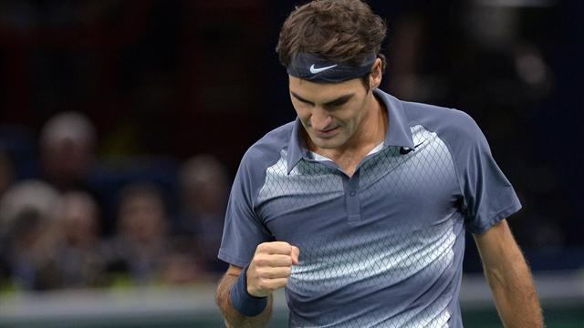Tennis - Federer finally seals spot in London with win in Paris