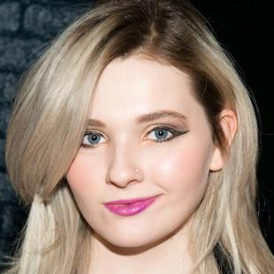 Abigail Breslin Defends Selena Gomez's Weight on Tumblr