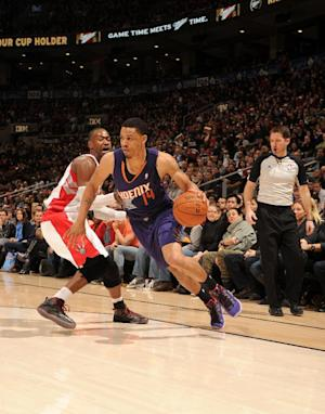 Suns end Raptors' home winning streak, 121-113