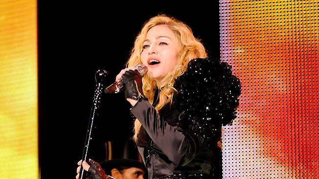 Madonna Sticky Sweet Tour Lndn