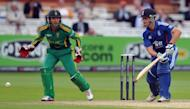 """England batsman Jonathan Trott (R) hits a ball past South African wicketkeeper AB de Villiers during their 4th ODI on September 2. """"The positive thing is the series is still alive. We can level it, which would be a great achievement, and I really believe we can do that,"""" de Villiers said"""