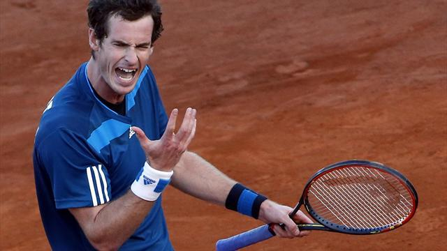 Davis Cup - Murray halted by bad light in Naples
