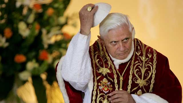Past Popes Served With Kidney Failure, Parkinson's  -- and a Drooling Problem