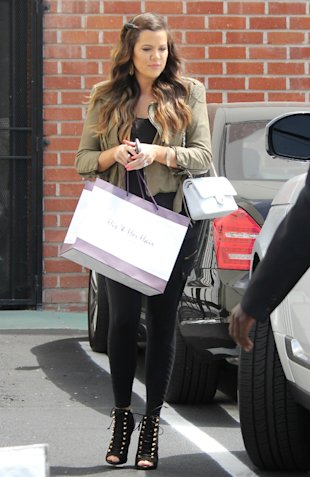 Treat For Kim? Khloe And Rob Kardashian Stock Up On Hair Extensions During Shopping Trip (PHOTOS)
