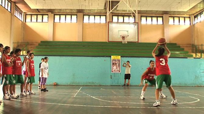 Myanmar teens inspired by US basketball stars