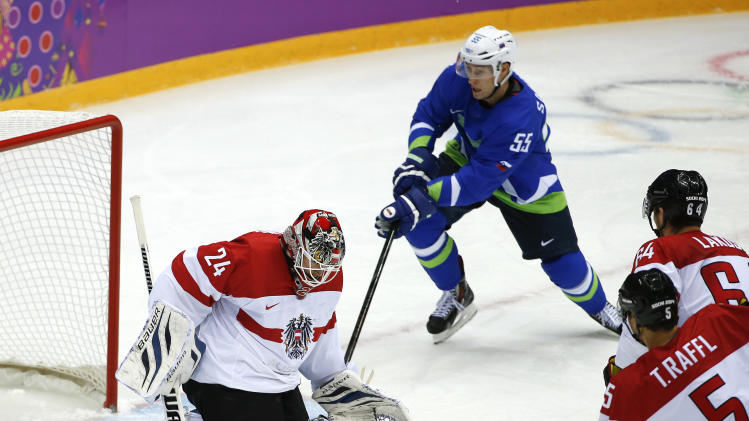 Kopitar's Slovenia tops Austria, advances in Sochi