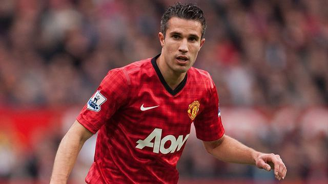 Premier League - Fergie compares Van Persie with Cantona