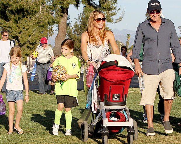 Charlie Sheen strolls with ex Denise Richards and daughters Lola and Sam. (Aguilar/Jones/PacificCoastNews.com)
