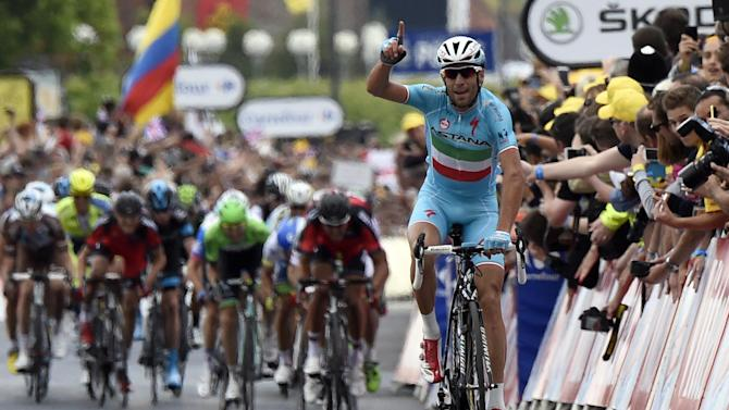 Tour de France - Nibali into yellow after stage two win in Sheffield
