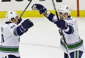 Schneider sharp as Canucks surge past Wild 4-1