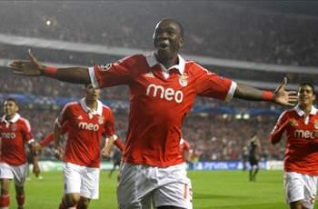 Benfica 2-1 Celtic: Garay winner sends qualification race down to the wire