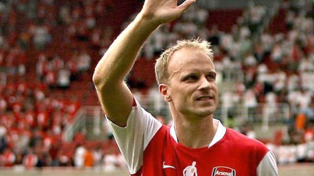 Premier League - Arsenal to honour Bergkamp with bronze statue
