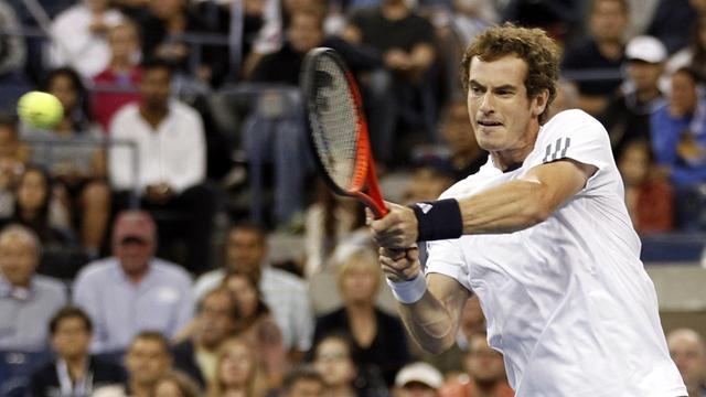 Impressive Murray eases into last eight at Flushing Meadows