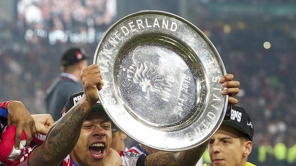 PSV Eindhoven banter with Manchester United's Memphis Depay ahead of Champions League clash