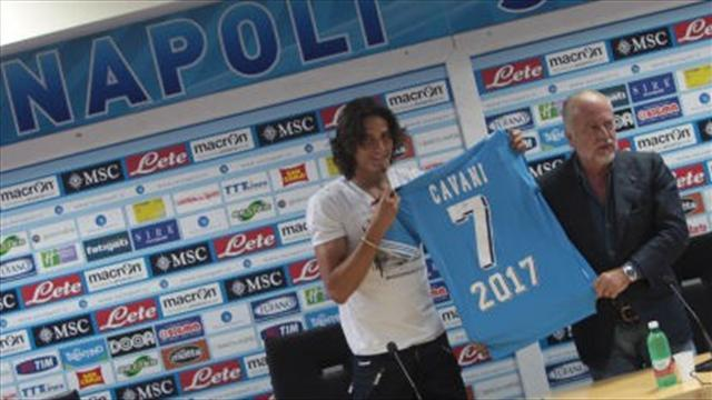 Cavani signs new five-year Napoli deal
