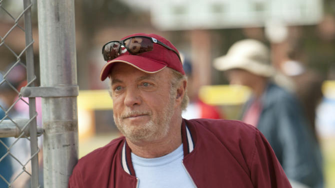 """This TV publicity image released by ABC shows James Caan in a scene from the new series """"Back in the Game,"""" premiering this fall.  (AP Photo/ABC, Randy Holmes)"""