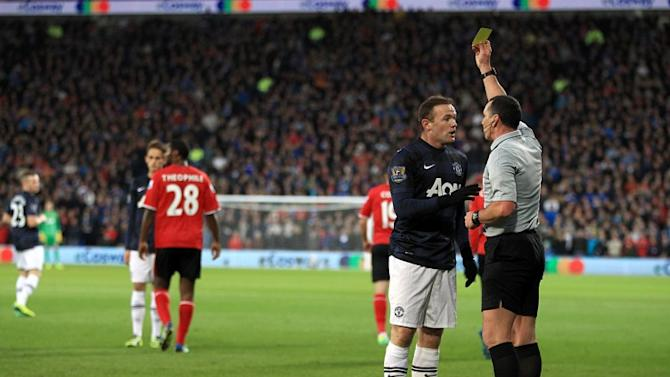 GIF: Should Wayne Rooney have been sent off for this kick?