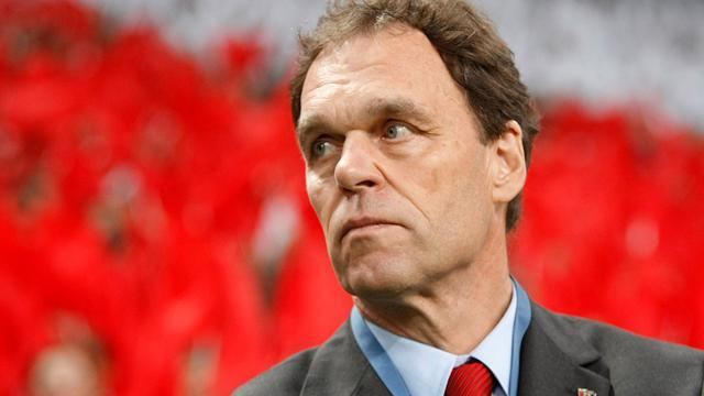 World Cup - Australia sack Osieck after France humiliation