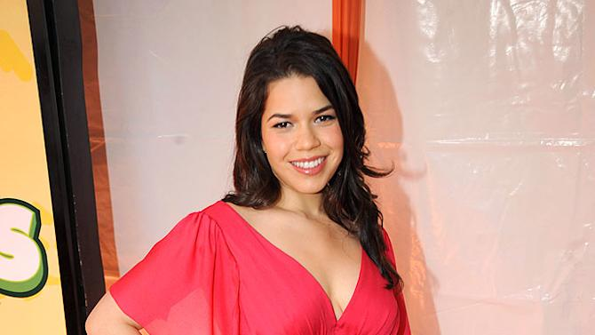 """America Ferrera arrives at """"Nickelodeon's 2009 Kids' Choice Awards"""" at UCLA's Pauley Pavilion on March 28, 2009 in Westwood, California."""