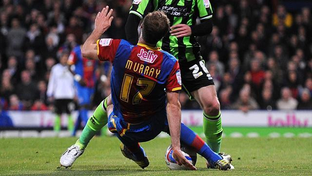 Championship - Murray injured as Brighton hold Palace
