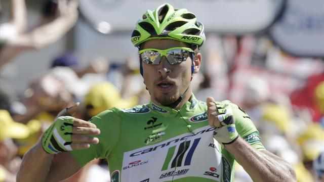 Cycling - Sagan secures stage three in Italy, Kwiatkowski leads