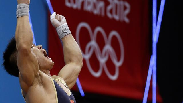 Two world records and gold for Xiaojun at Olympics